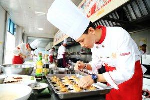 初中毕业生能否学厨师
