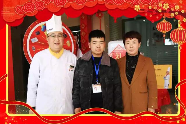 春季招生来袭,宁夏新东方烹饪学校报名现场火爆