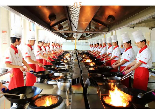 学厨师,到宁夏新东方烹饪学校!就业有保障!