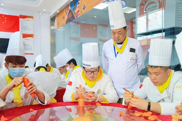 新生专访--三年制金领大厨班王晓东