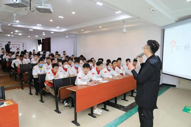 名企进校园专场宣讲会,与HR接触