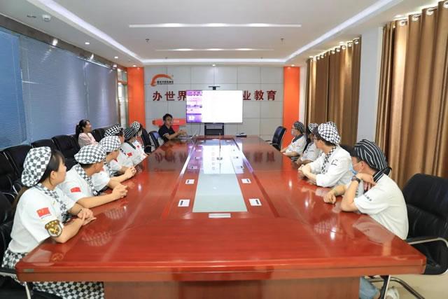 企业进校园宣讲会圆满结束,新东方学子就业更近一步